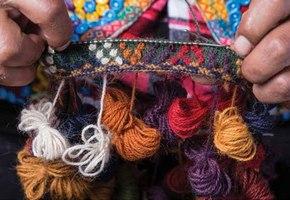 2.2 kleurrijke mutsen uit Andesgebergte